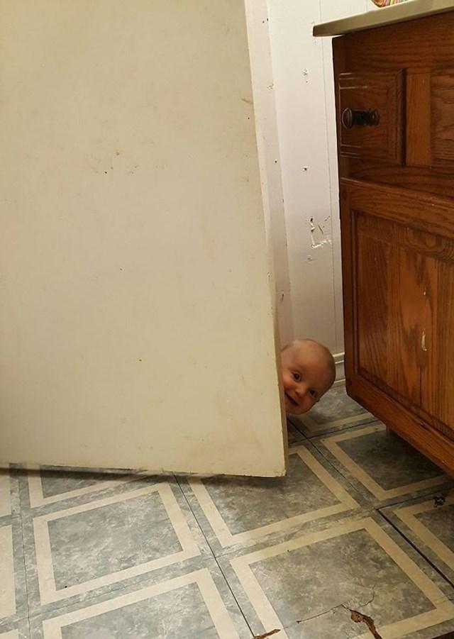Zaboravila sam zaključati WC