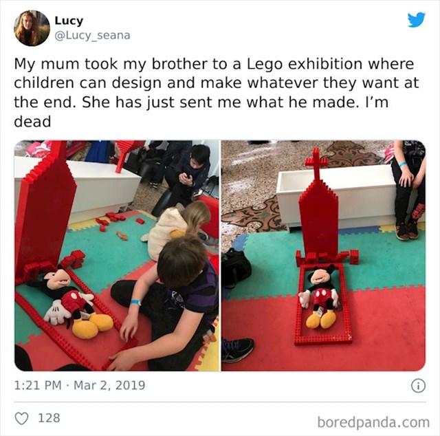 Mama je odvela brata na Lego izložbu gdje na kraju mogu napraviti što žele. Ovo je njegov uradak. RIP Mickey