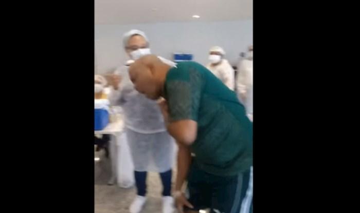 Širi se snimka tipa koji se srušio na cijepljenju, svi su uvjereni da glumi