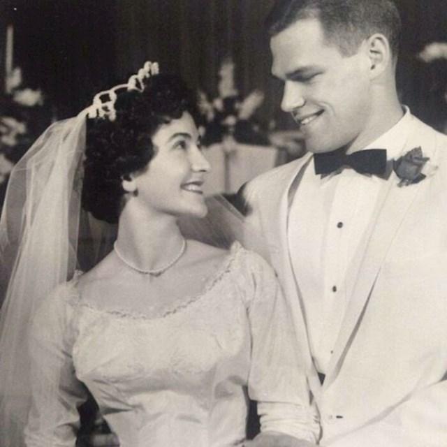Moj djed na vjenčanju, isti Matt Damon