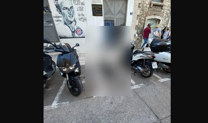 Fotka iz Splita mnoge je razljutila: Pogledajte čime je zauzeo parking mjesto u centru