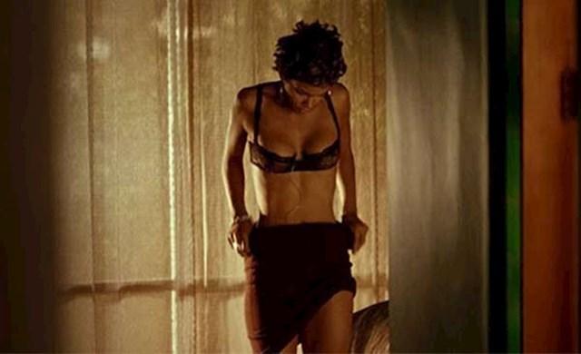 Swordfish - scena presvlačenja Halle Berry