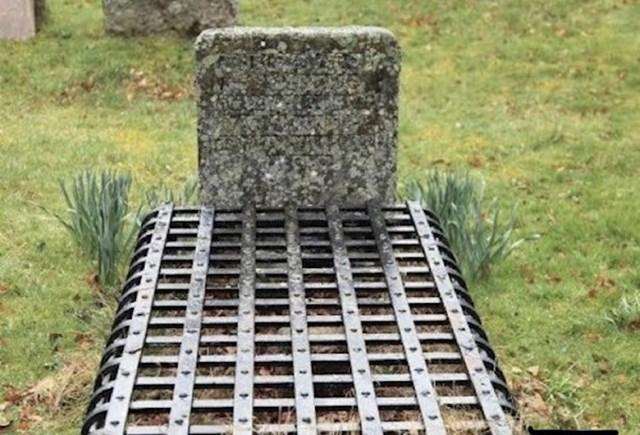 Grob iz viktorijanskog doba, kada su vjerovali u vampire i vještice