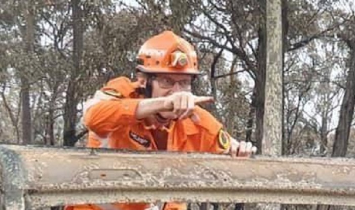 Vatrogasci u Australiji zadržali su smisao za humor, pogledajte što izvode dok ne gase požare