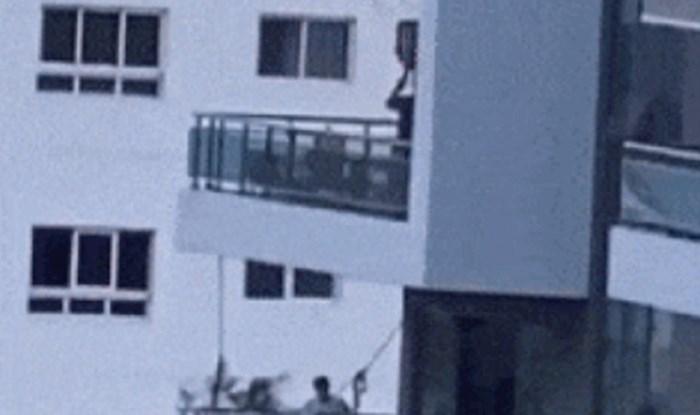 Ljudi iz susjedne zgrade nisu mogli vjerovati što se događa na ovom balkonu