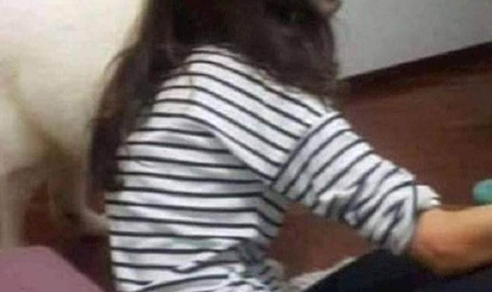 Mama se prilično uplašila kada je ugledala svoju kćer na kauču