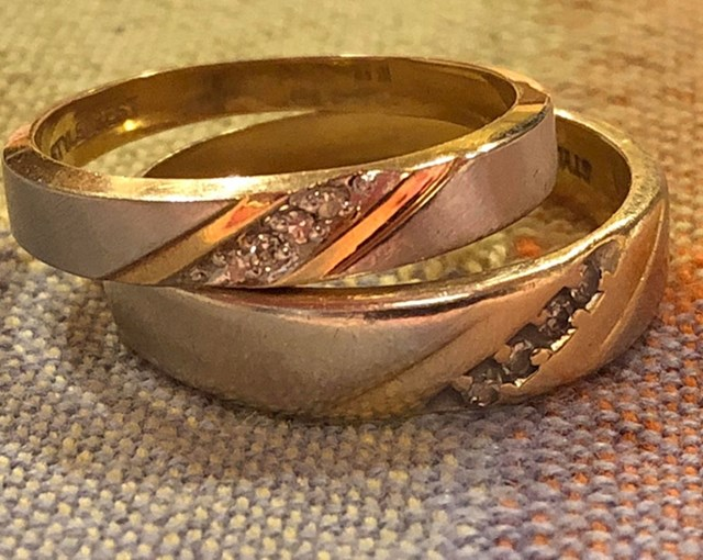 """""""Naši vjenčani prsteni nakon 33 godine. Supruga svoj nije nosila jer joj je nakon godinu dana postao premali"""""""