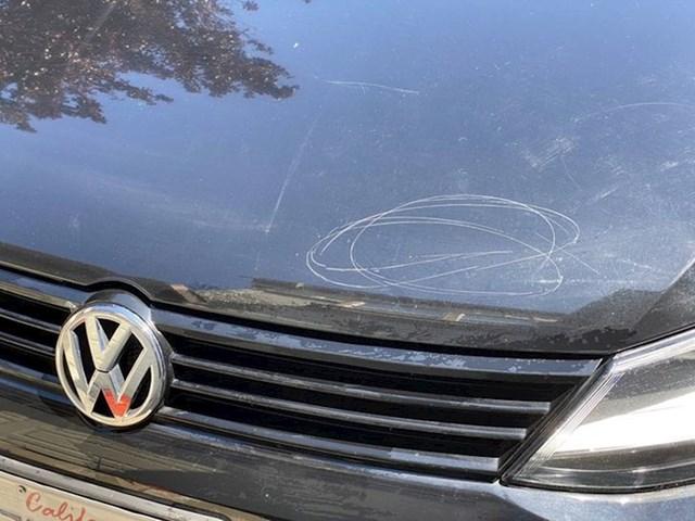 """""""Kćer mi je pomogla prati auto kamenom"""""""