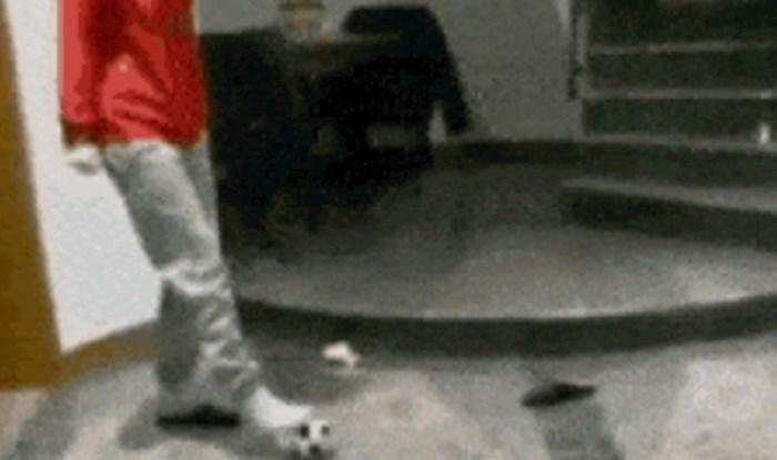 Žena je šutnula loptu, ono što se zatim dogodilo prilično je neočekivano