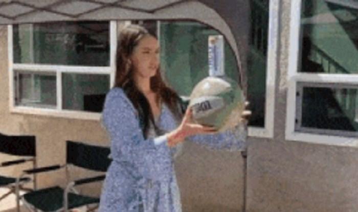 Cura je pokušala izvesti trik s loptom, to je ispalo katastrofalno