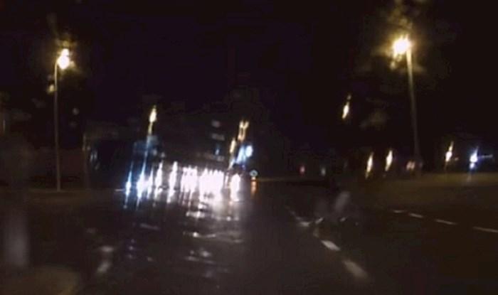 Snimljena opasna scena na hrvatskim cestama. Vidite li biciklista?