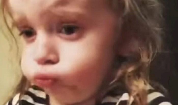 Curica se pretvarala da joj se sviđa jelo koje je mama skuhala, njene reakcije su sve