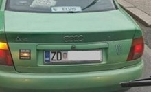 U Zadru su uslikali auto s neobičnim natpisom, nikom nije jasno zbog čega je ovaj lik to zalijepio
