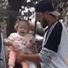 Ovaj tata pokušao je spustiti kćer niz tobogan, to je završilo loše