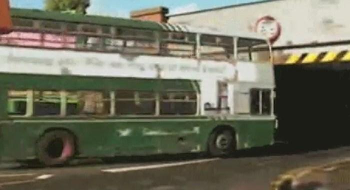 Vozač ovog autobusa zanemario je visinu vozila, pogledajte kako se proveo