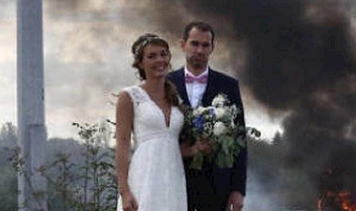Je li ovo vjenčanje teška katastrofa ili je ovo najcool slika s vjenčanja ikad?