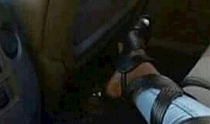 Cura se hvalila novim cipelama, ljudi ju ismijali zbog jednog čudnog detalja