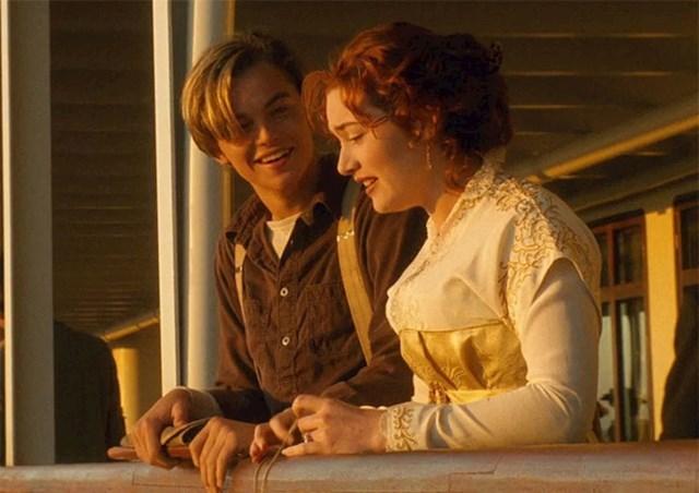 Scena u kojoj Jack uči Rose pljucati je potpuno improvizirana