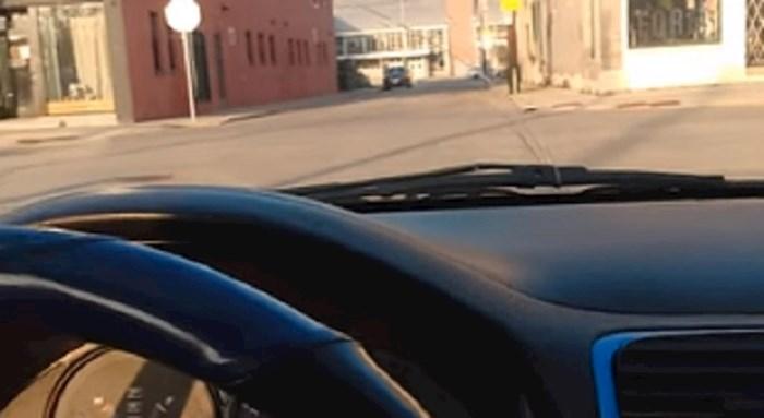 Lik je iz svog automobila ugledao nešto što ga je najblaže rečeno iznenadilo