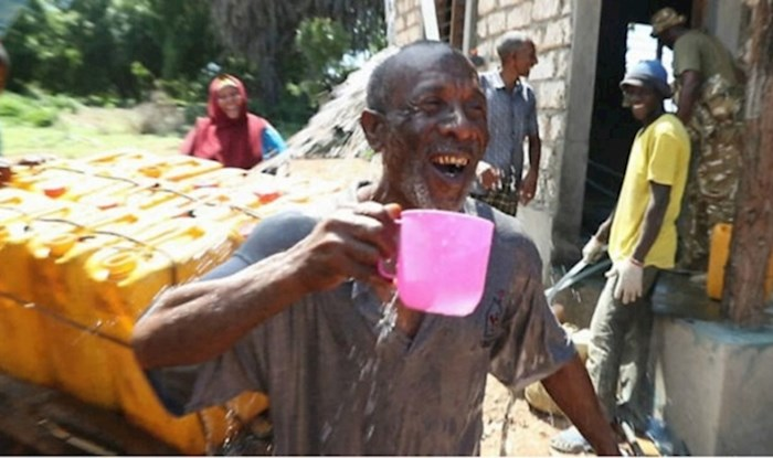 U Keniji su instalirali prvi uređaj na solarnu energiju koji pretvara vodu iz oceana u pitku vodu