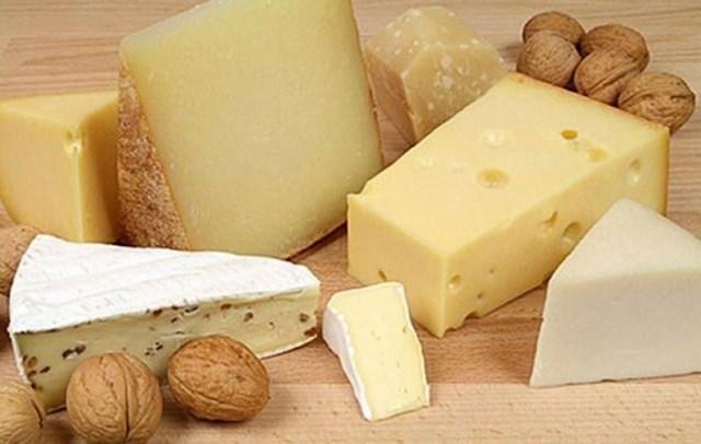 Švicarci će vam ponuditi maleni komadić sira