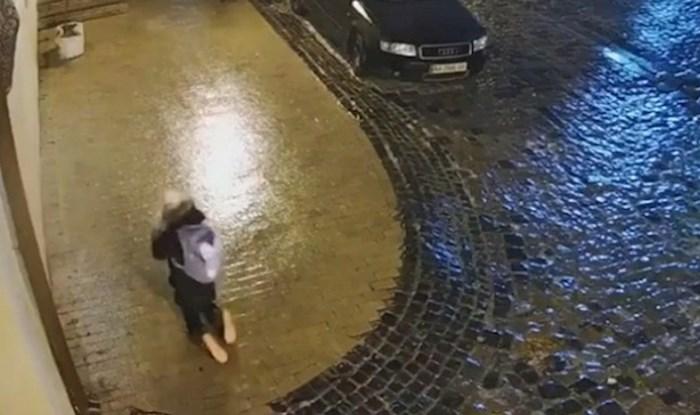 Snimka ove nesretne žene koja pada na ledu obišla je svijet, pogledajte kako se borila