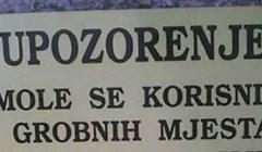 Ovo pomalo bizarno upozorenje iznenadilo je ljude na jednom groblju