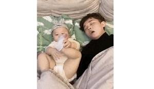 Bebi je smetalo tatino hrkanje, način na koji je riješila taj problem je nevjerojatan