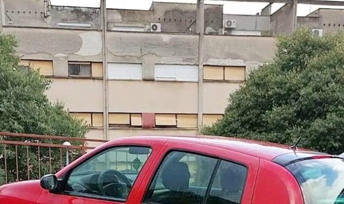 Morate vidjeti kako se parkirao ovaj genijalac iz Šibenika