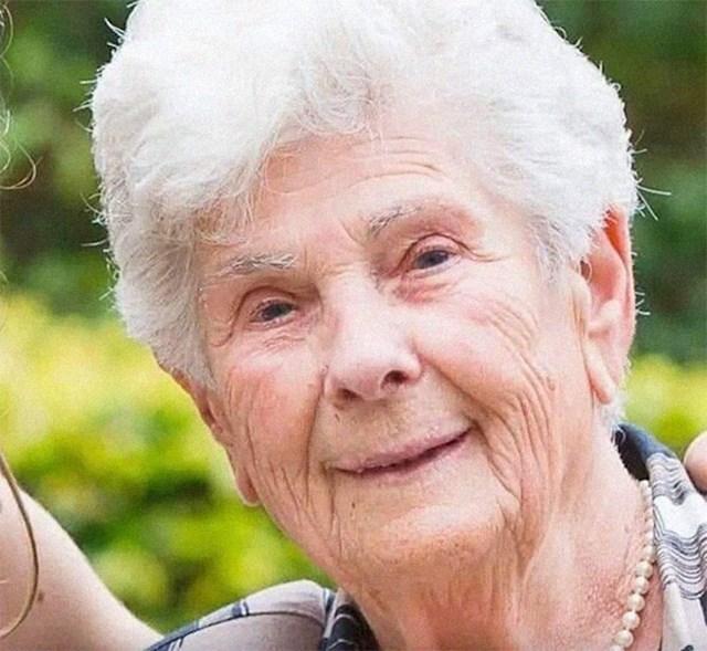 Devedesetogodišnja Belgijanka Suzanne Hoylaerts, umrla je od koronavirusa nakon što je odbila respirator. Rekla je liječnicima da respirator daju nekoj mlađoj osobi, jer je ona već proživjela divan život...