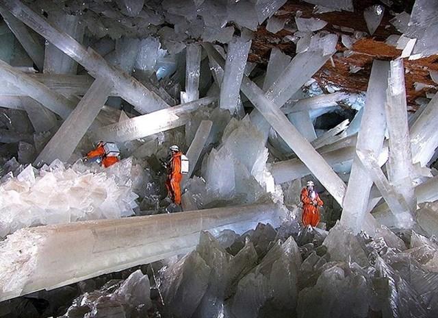 Rudnik Naica s izuzetno velikim kristalima selenita u Meksiku