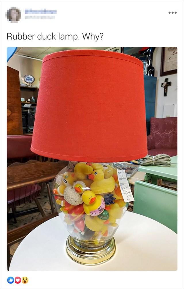 Lampa s plastičnim patkicama. Zašto?