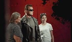 Pogledajte kako su reagirale kada su shvatile da Arnold nije voštana figura