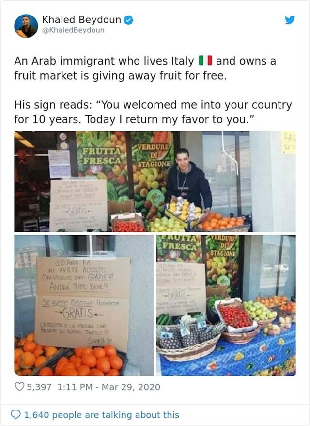 Imigrant koji živi u Italiji i posjeduje voćarnicu dijeli voće besplatno