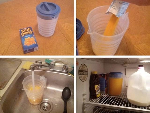 """Pomoću sira u prahu napravio je """"sok od naranče"""""""