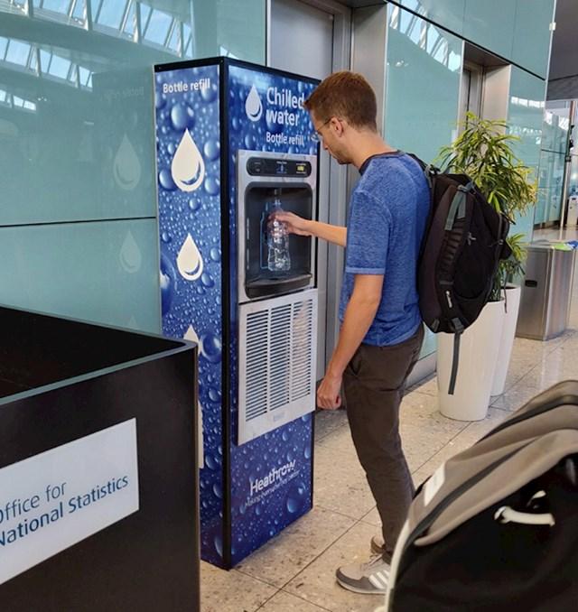 Aparat na aerodromu na kojem možete napuniti boce vode nakon pregleda prtljage