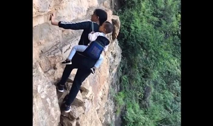 Ovi ljudi žive u selu na vrhu stijene. Pogledajte kako im izgleda put kući