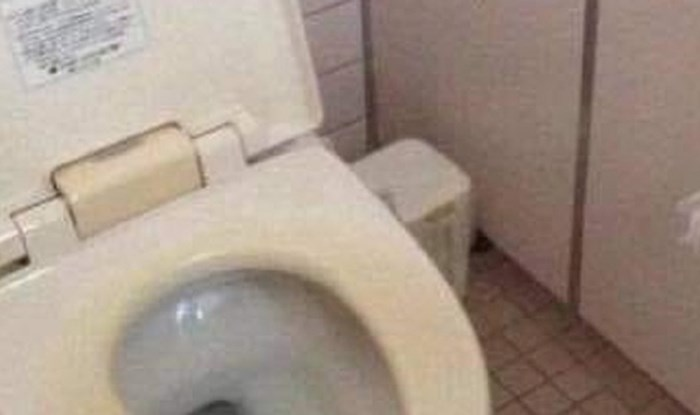 Čovjek je ušao u toalet jednog restorana, ovo što je ugledao ga je šokiralo