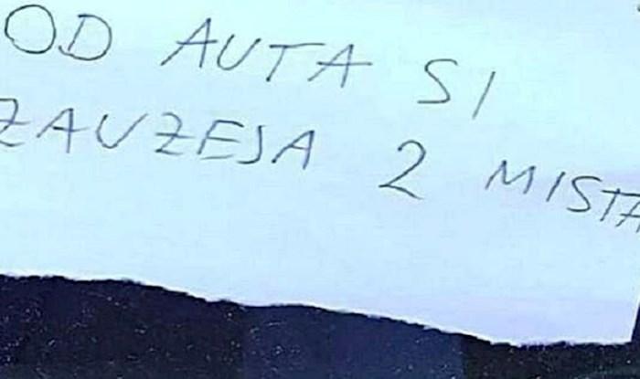 Razljutilo ga je nečije parkiranje pa mu je ostavio presmiješnu poruku koje će se dugo sjećati