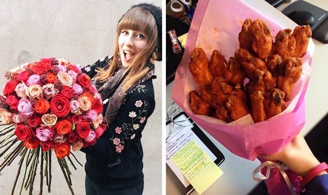 Ova djevojka oduševljena je buketom pohane piletine