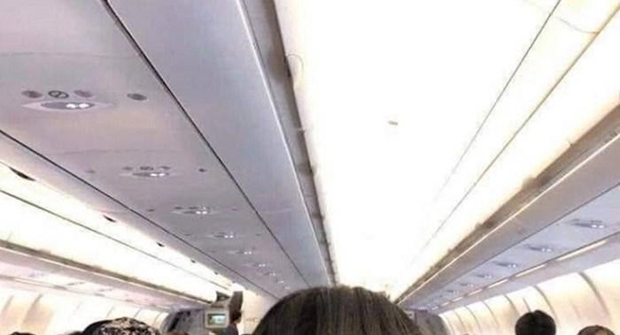 Putnica u avionu je bila zgrožena ponašanjem žene ispred sebe