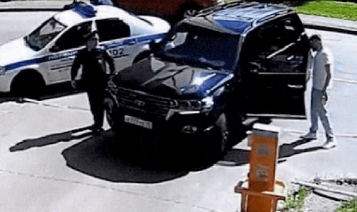 Policajci nisu mogli vjerovati što ovaj lik radi