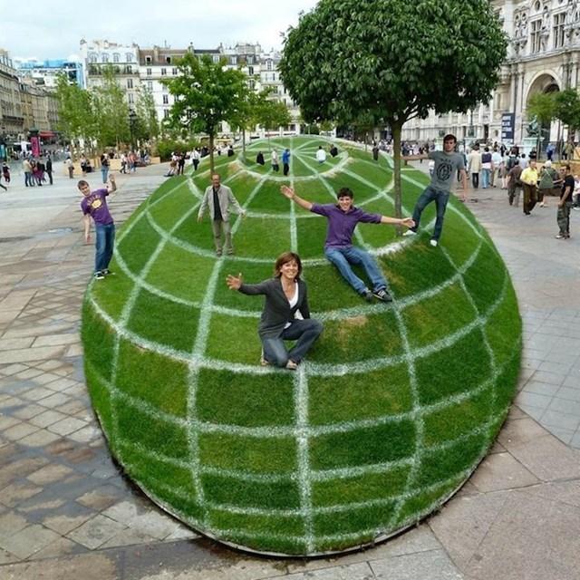 Ovaj zeleni globus zapravo je neobičan vrt u središtu Pariza