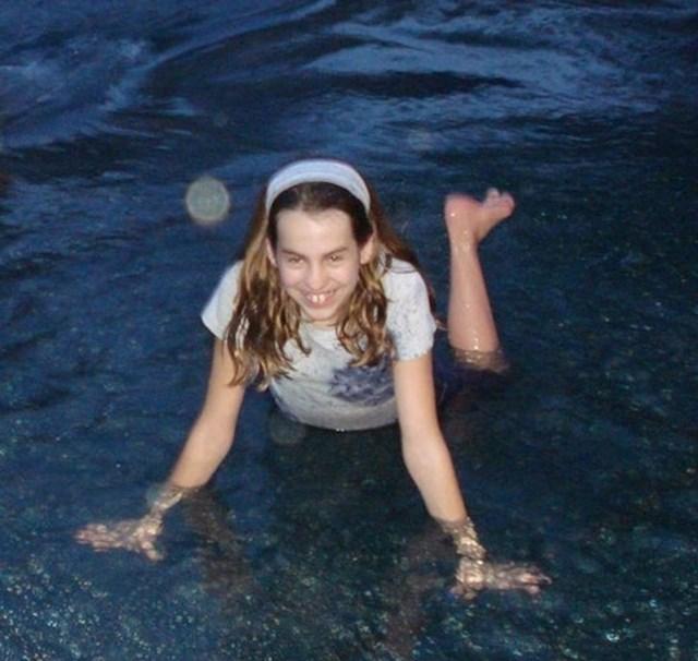 """Slikala me frendica i nazvali smo fotku demon iz vode..."""