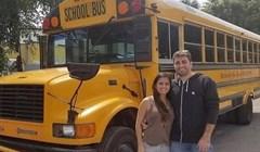 Kupili su školski autobus i potpuno ga preuredili, ovo morate vidjeti