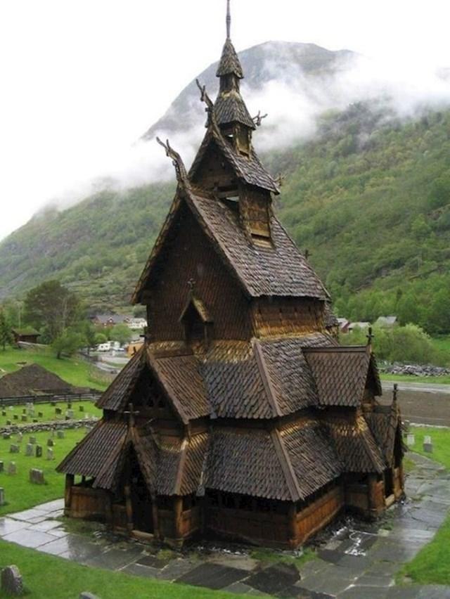 Norveška crkva stara 800 godina