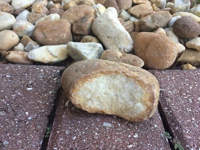 Kamen koji izgleda kao kruh