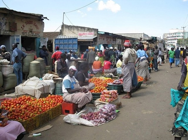 U Keniji možete kupiti osam glavica kupusa, četiri rajčice i četiri luka