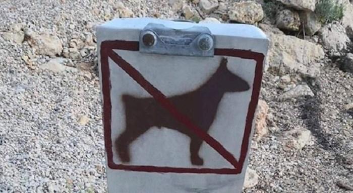 """""""Endemska vrsta u Dalmaciji"""" - pogledajte znak koji je nasmijao Dalmatince i goste"""