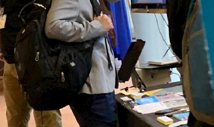 Ovaj učenik stvarno se boji korona virusa, pogledajte kakav je došao u školu